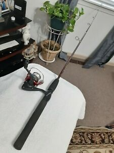 Spinning fishing rod and reel Shakespeare Lot B43