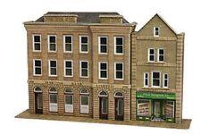 Metcalfe PO271 Low-Relief Bank & Shop. (00 Gauge) Railway Model Kit