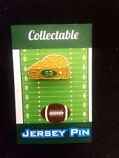 Green Bay Packers lapel pin-Clay Matthews-CHEESEHEAD NATION Grab a slice!
