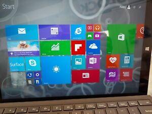 Microsoft Surface Win 8.1Pro 8GB RAM 256GB HDD Core i7 2.30 GHz Chrgr & Keyboard