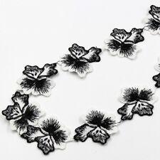 AD08 - multiple de 5 appliques fleur bicolore blanc noir * 45 mm x 27 cm * GALON