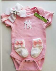 Yankees infant/baby girl clothes Yankees baby shower gift girl Yankees newborn