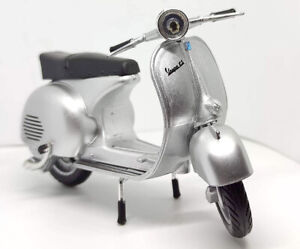 Vespa 150GS Silver Scooter 1/12 Scale Diecast and Plastic Model by NewRay