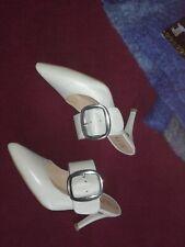 zapatos UNISA blancos 109€ con tira PLATEADA tacon sujeta muy bien el pie nº36