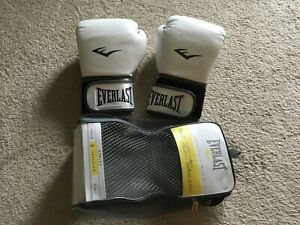 Everlast Pro Style 12OZ Womens WHITE  Trainning Gloves NICE!