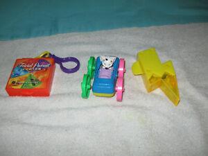 Vintage Plastic Wendy's Trivial Pursuit Juinor Box Key Chain,Noise toy and ETC.