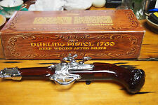 Vintage Avon Decanter Bottle with original Box - 1973 Dueling Pistol 1760