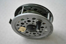 A VERY GOOD SHAKESPEARE BEAULITE 3 5/8 TROUT FLY REEL & LINE