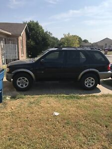2002 isuzu rodeo 130,000miles Blk Very Clean. Back Left Window Want Let Down