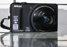 Nikon COOLPIX S9100 12.0MP Digitalkamera + 16GB - Schwarz