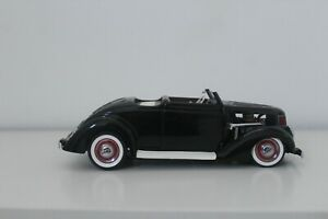 DANBURY MINT 1936 FORD HOT ROD..1:24..NIB....FACTORY FRESH..PERFECT