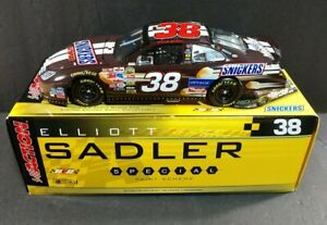 ELLIOTT SADLER #38 Snickers 2006 Ford Fusion 1:24 Action Racing