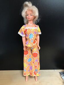 Third edition Vintage Palitoy Tressy Doll with original Outfit