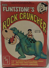 THE FLINTSTONES : FRED & ROCK CRUNCHER MODEL KIT MADE BY AMT IN 1974 (MLFP)