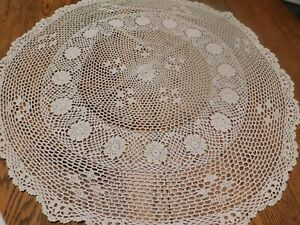 """HAND CROCHETED 31 """" ROUND COTTON TABLECLOTH TOPPER ESTATE OFF WHITE"""