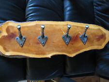 Tejo Madera Perchero con clavijas de hierro