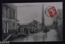 CPA 49 - Montjean - Inondation de Décembre 1910 - Une rue inondée - 1911