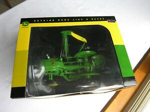 """SpecCast # JDM 207  John Deere  """"LA""""  Tractor  w/#7-D  Mower  1/16"""