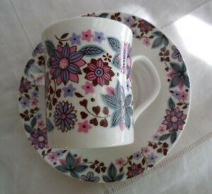 RETRO VINTAGE CARNABY ELIZABETHAN FINE BONE CHINA TEA CUP COFFEE MUG SAUCER purp