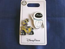 Disney * WALL-E & EVE * 2 Pin Set  * New on Card Trading Pins