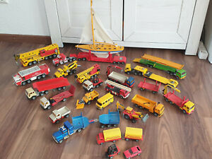 Konvolut SIKU LKW's - Kranwagen, Autotransporter, Feuerwehr usw.