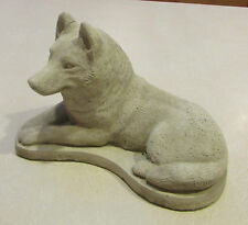 CONCRETE SIBERIAN HUSKY DOG STATUE OR USE AS A MONUMENT