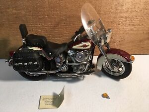 Harley Davidson Heritage SoftTail Classic Franklin Mint 1:10 Scale Model