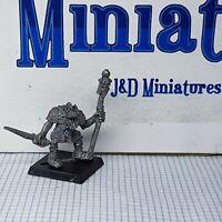 GW Citadel Warhammer Orcs & Goblins 0506 Orc Command Group Standard Bearer Sword