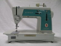 Vintage Singer Touch & Sew Sewing Machine Deluxe Zig Zag Model 628 (WW)