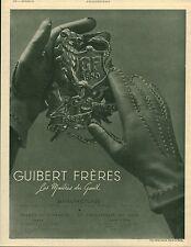 """Publicité Ancienne """" Mode Gant Guibert Frères   1941 ( P 35 ) DUPUIS"""