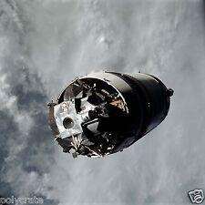 Photo Nasa  Apollo 9 Module spatial LM-3 Spider sur fond de planète Terre poster