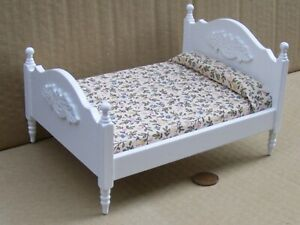 White Painted Double Bed Tumdee 1:12 Scale Dolls House Miniature Bedroom DF253wh