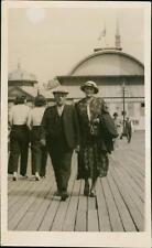 . 'Walking photo' Gentleman Lady Pier  (ref:QR1447)