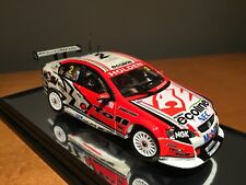 Classic Carlectables 1002-6 2009 Holden Racing Team VE Commodore Garth Tander &