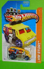 2013 Hot Wheels Stunt #77 Cool-One