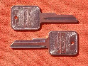 2 FREIGHTLINER TRUCK SEMI FACTORY ORIGINAL OEM KEY BLANKS 1991-2003