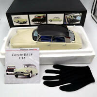 Premium ClassiXXs 40045 1:12 Citroën DS 19 Type I 1955 Light Beige/ Dark Plum