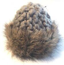 H&M DIVIDED Hand Knitted Handgestrickte Mütze mit Pelzimitat in Beige