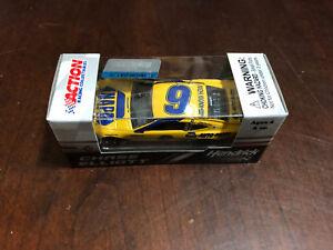 2018 Chase Elliott NAPA Darlington Retro Throwback 1:64 scale car