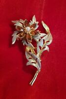 Vintage Hollywood gold silvertone flower floral Brooch Pin Amber pearl Stones