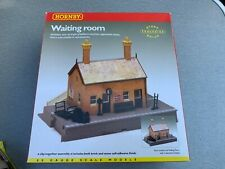 Hornby R8001 OO Gauge Railway Station Waiting Room Kit