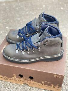 Danner Mountain Pass Boots 33290 Men's Size 8 EE Wide / EUR 41.5 Gunmetal Hiking