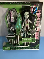 MONSTER HIGH Doll SCARAH SCREAMS 3 GORE  Geous OUTFITS NEW 2013