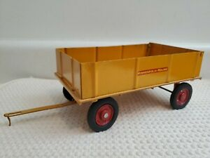 VINTAGE Minneapolis Moline Custom BARGE WAGON  ERTL 1/16 PS