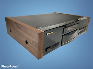 PIONEER ELITE PD-65 CD-COMPACT PLAYER DIGITAL W/ REAL WALNUT WOOD SIDE