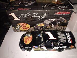 2005 Action 1:24 Martin Truex Jr #1 Bass Pro Shops Chevrolet Monte Carlo