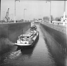 POSES c. 1947 - Écluse Bateaux Eure - Négatif 6 x 6 - NOR 84