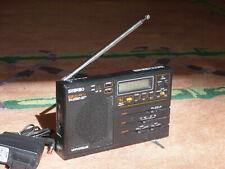 Kleiner digitaler Weltempfänger UKW(Stereo)/KW/MW/LW, Weckuhr-Funktion, Netzteil