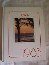 1983 EVERETT HIGH SCHOOL YEARBOOK  EVERETT, WASHINGTON NESIKA