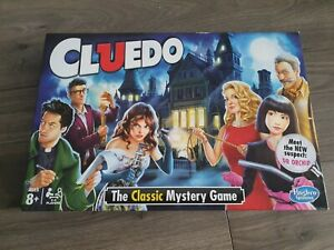 Hasbro H1238712 Cluedo The Classic Mystery Board Game - USED